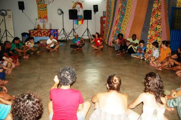 oficina_de_cavalo_marinho_para_teatro_com_grupo_Quem_tem_B oca_é_para_Gritar_de_JP